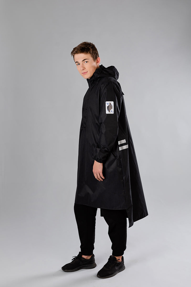 Black raincoat / King of Clubs