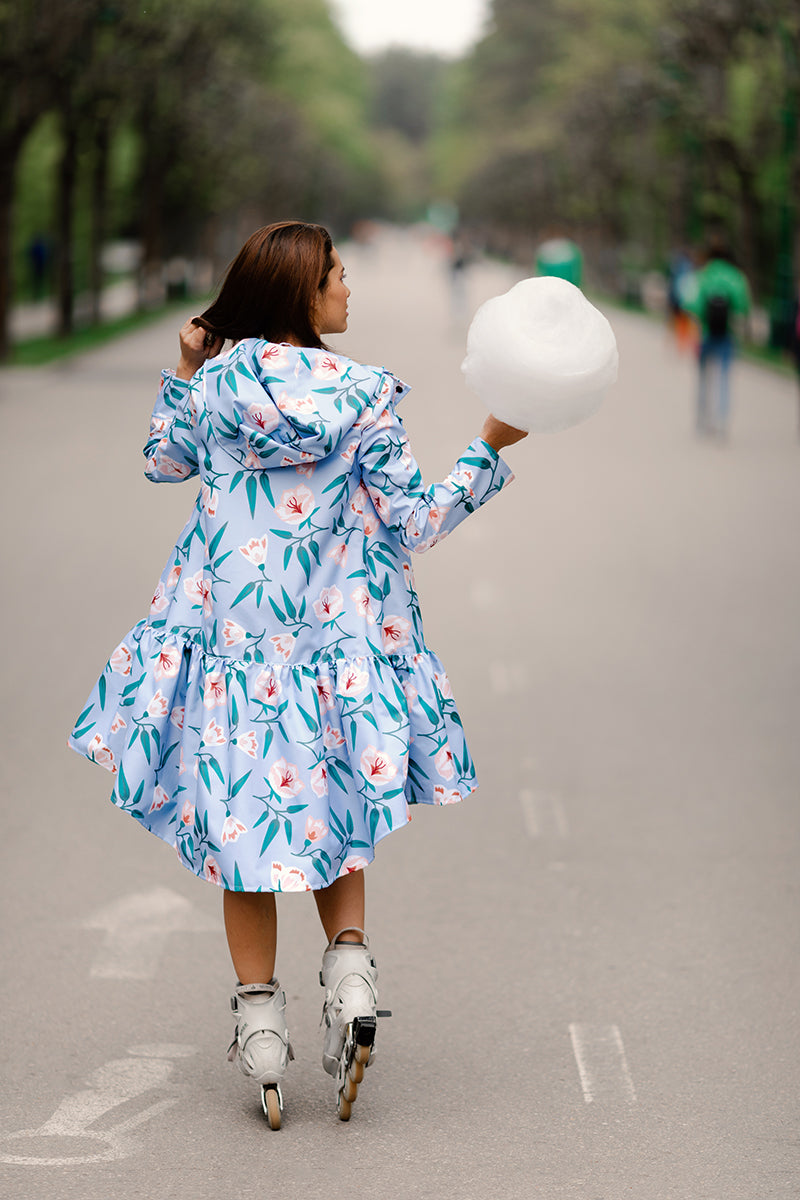 Light Blue raincoat with Flower print / Trapeze