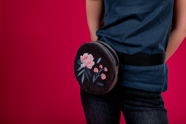 Round Belt Bag with Peonies / Gray