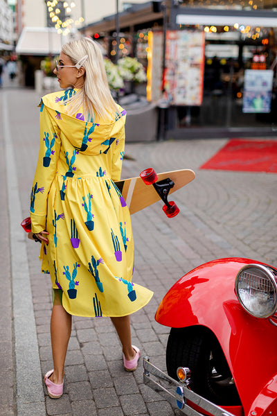 Yellow raincoat with Cactus print / Tale