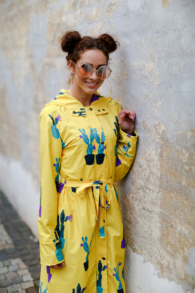 Yellow raincoat with Cactus print / Long skirt
