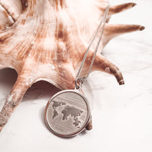 Load image into Gallery viewer, Terra Silver carte du Monde Necklace | World map Necklace | Silver jewellery | Silver Necklace  | Dorsya