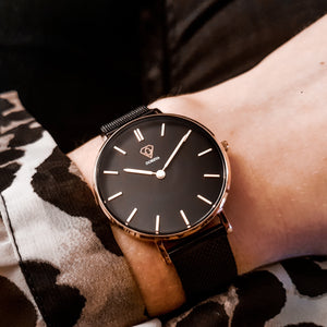 Tinia | black dial | black mesh strap | woman watch | Dorsya