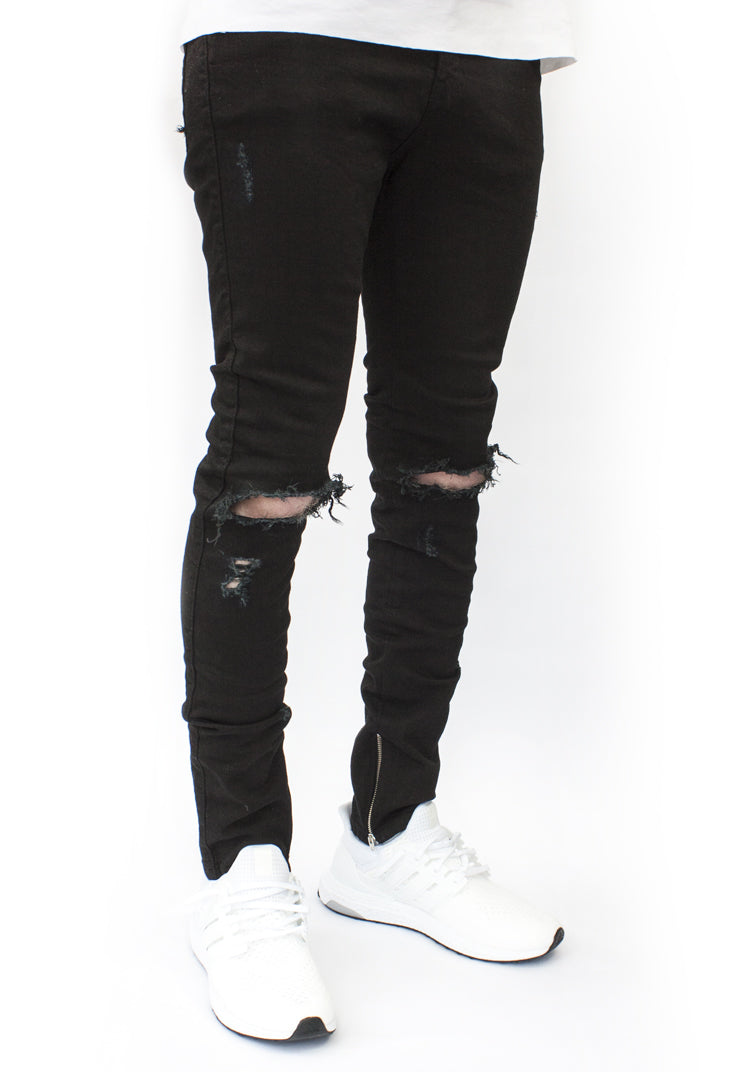 ESSENTIAL DENIM BLACK DISTRESSED
