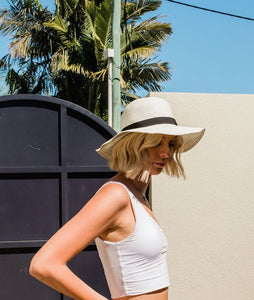 Kate and Confusion ladies white floppy straw summer hat