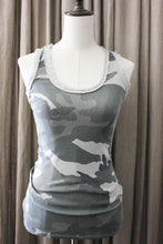 Afbeelding in Gallery-weergave laden, Trendy urban camo top met lovertjes dames
