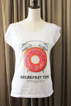 Afbeelding in Gallery-weergave laden, Dames T shirt met Donuts print Breakfast