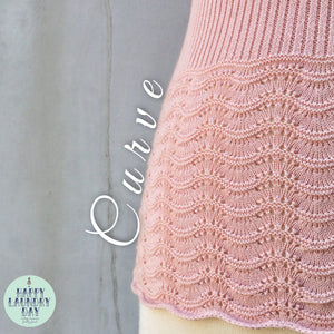 Curve Huggin' | Vintage 1970s retro crochet knit Sweater top