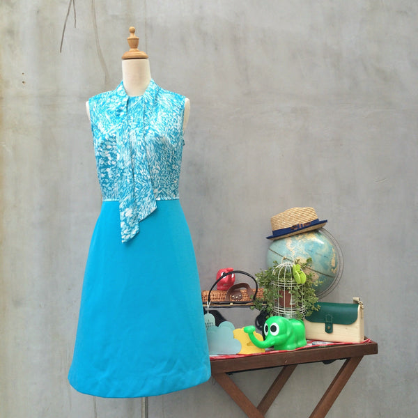 Shades of Blue-tiful |Vintage 1950s 1960s secretary Pussy-bow Turquoise blue A-line Dress