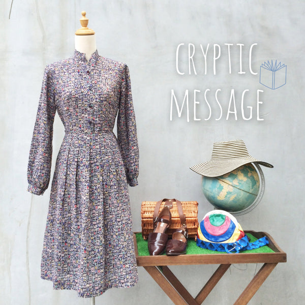 Cryptic Message | Vintage 1970s retro Egyptian Hieroglyph symbol Graphic print Dress