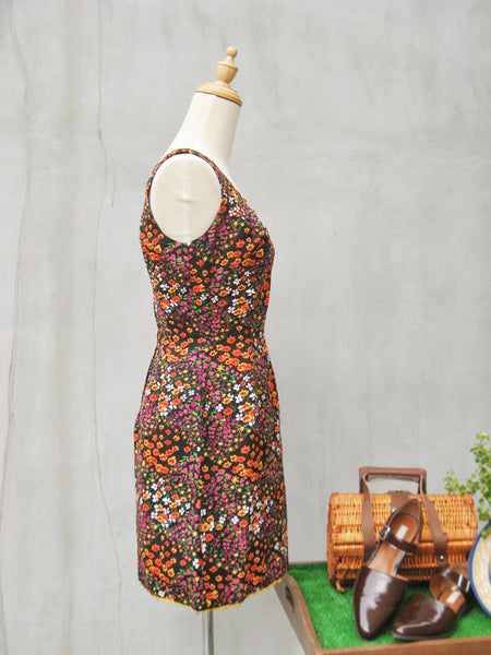Garden Par-teh | Sexy tailor made floral Vintage 60s party wiggle dress