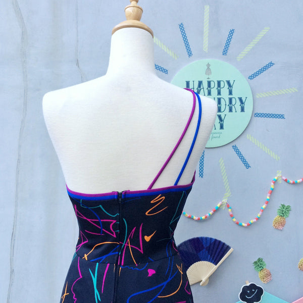 Footloose and Happy ! | Vintage 1970s 1980s Wonder woman Spandex One-shoulder Abstract Pop-art print Bodycon Dress