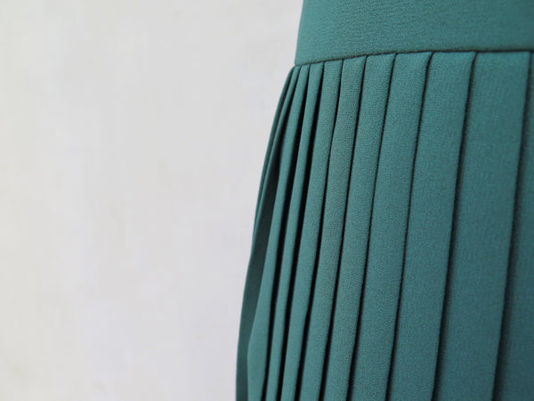 Audrey Anne | Vintage 1960s 1970s Hunter green Pleated skirt
