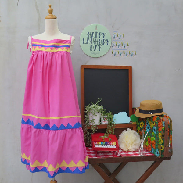 SALE | Geometric appliqué Vintage 1970s 19890s Pink Sun dress with yellow & blue triangles Dress