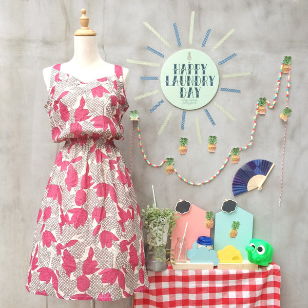 Summer berries | Vintage 1960s 1970s khaki and pomegranate red Sun dress with Polka dots and Tulips
