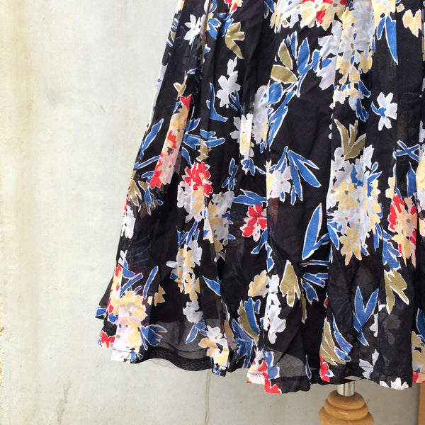 Midnight Garden | Vintage 1950s 1960s circle skirt in Dark blue and pretty Floral prints