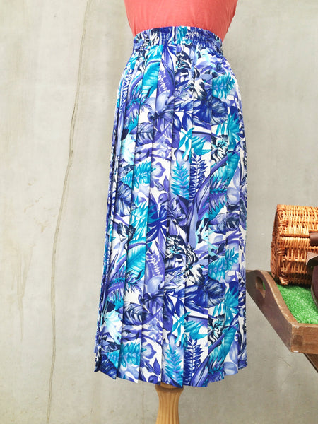 Blue Jungle | Retro vintage 1980s tropical safari jungle theme Pleated midi skirt