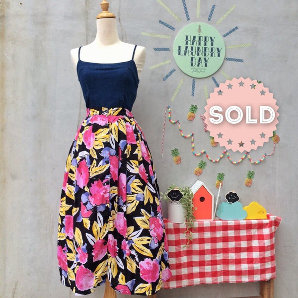 SALE ! | Loosely Gathered | Vintage 1980s happy pink autumn foliage Floral skirt