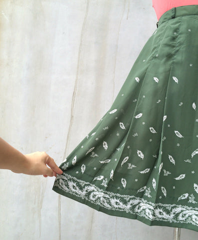Stirred not Shaken | Vintage 1960s 1970s Olive green White Floral print Skirt