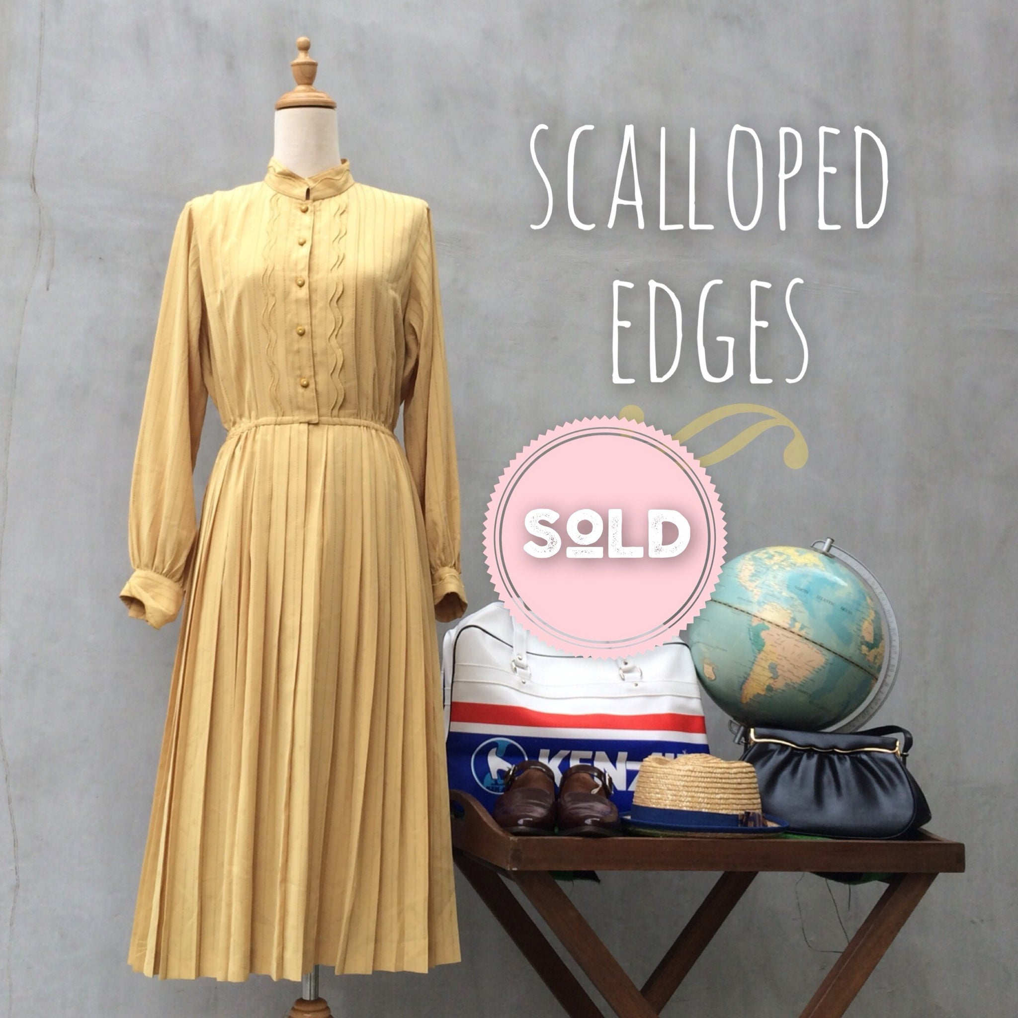 SALE ! |  Scalloped Edges | Elegant yellow Vintage