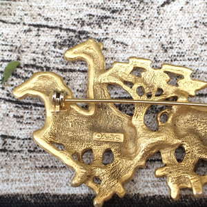 Golly Gee Galloping Giraffe! | Vintage 50s 60s era Safari-theme Novelty Brooch with Giraffe and Zebra
