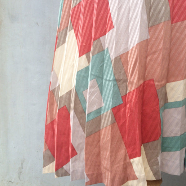 Building Blocks | Vintage 1940s 1950s geometric layered shapes Pleated skirt