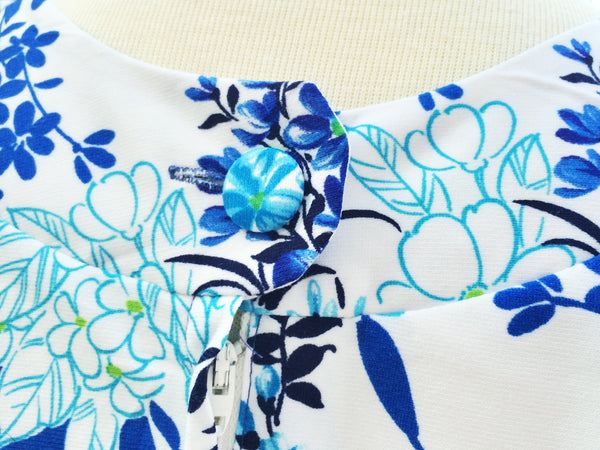 SALE ! |  Electric Dreams | Vintage 1960s flower power shift dress in Bright electric blue Floral prints