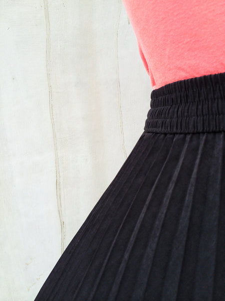 Full Harvest | Vintage 1980s pleated skirt with Fruits and Vegetable prints