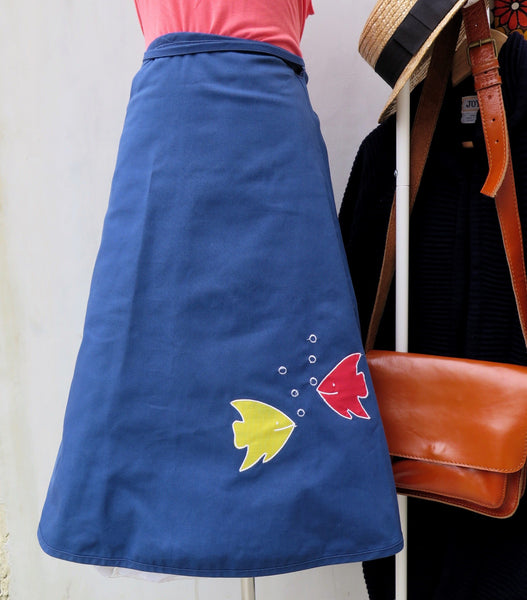 Must Have! | Here Fishy Fishy Fishy | Vintage 1950s 1960s Retro kitschy Applique Aquatic fish print Wrap Skirt