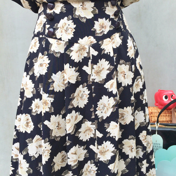Rockin' Daisies! | Vintage 1980s punk flare skirt Daisy dress