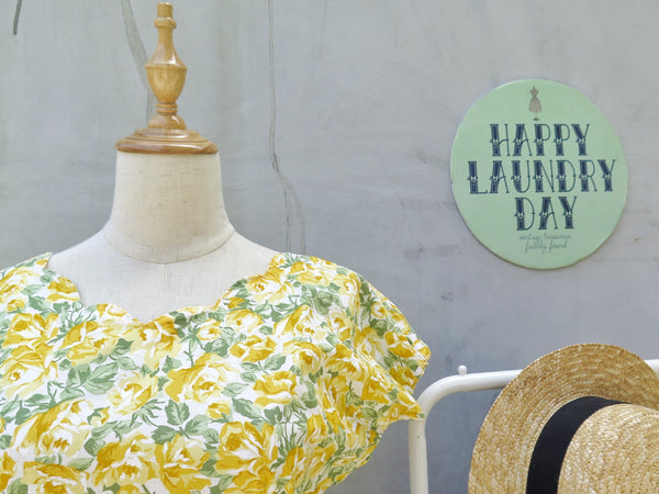 Robyn | Vintage 1950s 1960s Yellow rose Cotton Day Dress with scalloped hems