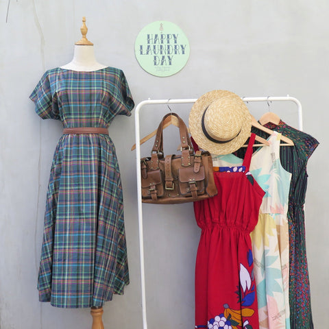 MUST HAVE! | Gardenia | Vintage 1950s 1960s Multicolored Plaid Dress