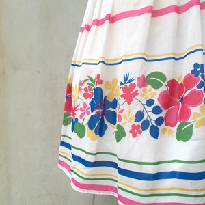 Lightly Hawaiian | Vintage 1960s 1970s Hawaiian floral Multi colored White Summer Skirt