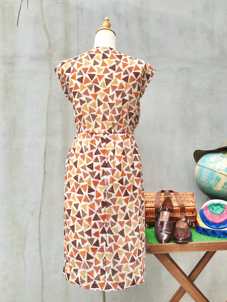 SALE ! |  Pizza Piazza | Vintage 1960s does 1940s pseudo wiggle dress in Triangle geometric print | Fall Fashion