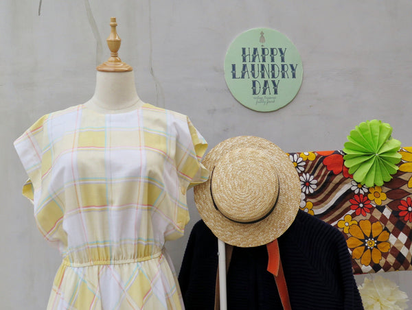Must Have! | Sunny Canary | Vintage 1950s swing circle skirt Checkered gingham yellow day dress