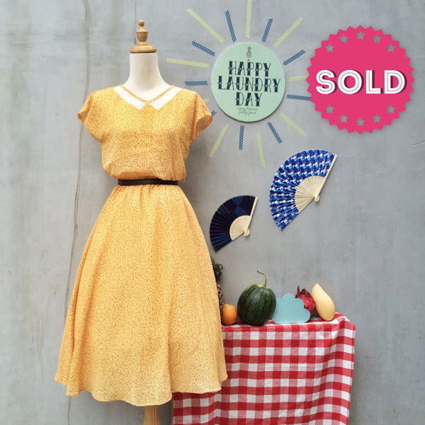 Sunshine Fireworks| Vintage 1940s 1950s Lace collar cutout Confetti polka dot print Yellow Day Dress