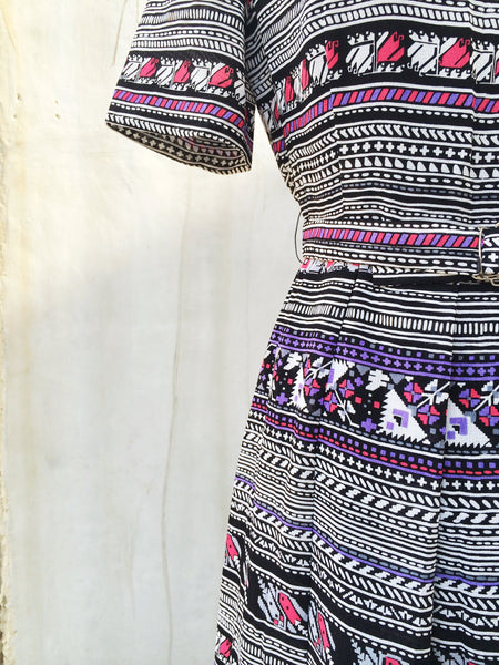 SALE! |Animation Wonderland | Vintage 1970s ethnic aztec and tribal print Day dress