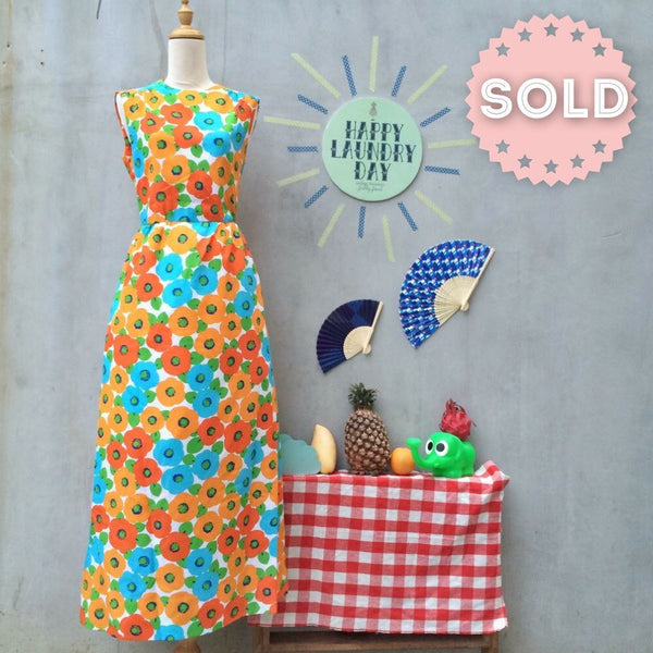 Popping Neon Poppies | Vintage 1960s 1970s flower power Mod Maxi Dress with POCKETS