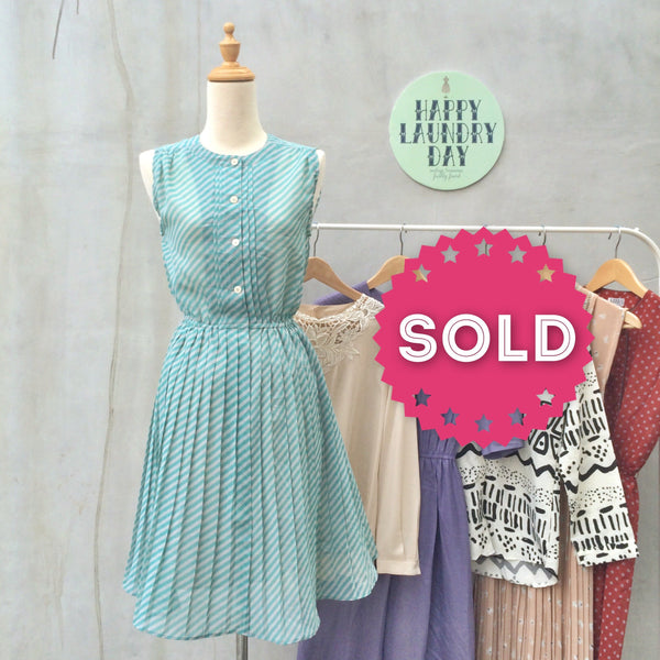 Mint Minx | Japanese vintage 1950s/60s fun flirty Striped shirtwaist dress with Pleated skirt