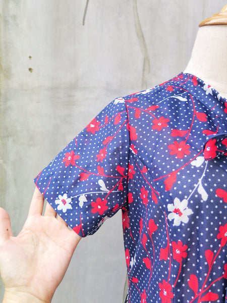 Cosmic Cosmos | Vintage 1950s 1960s Blue White Red polka dot & floral Pussy-bow Day Dress