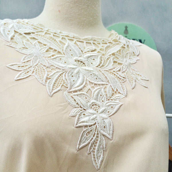 Italian Lace | Vintage 1920s/1930s style Laced motif silky Blouse