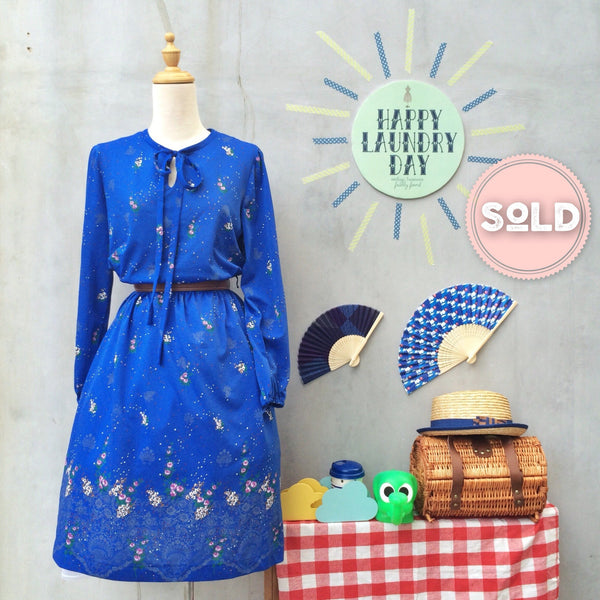 Garden Sprays | Vintage 1970s keyhole bow-tie Secretary Dress