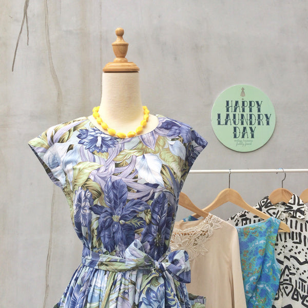 Miami Heat | Vintage 1950s tropical jungle print Blue Tea dress with POCKETS and matching Sash