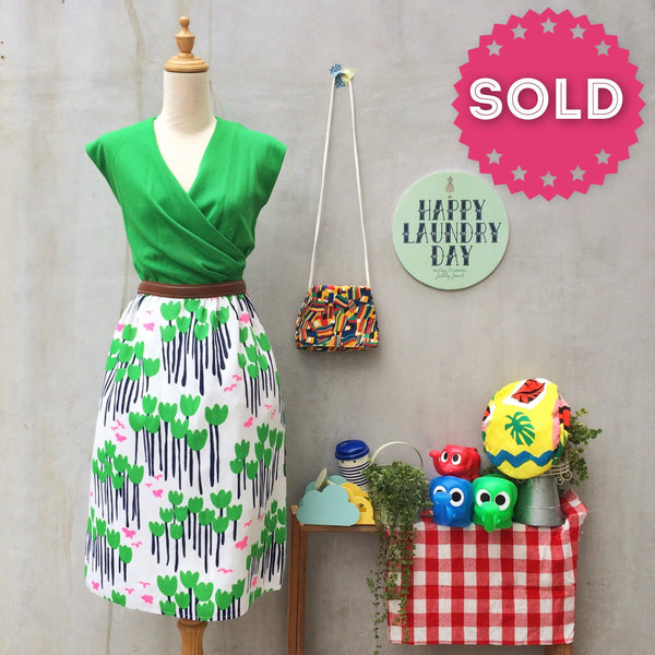 Brightly does it | Vintage flower power mod Neon pops of Tulip flowers 1960s Leslie Fay dress