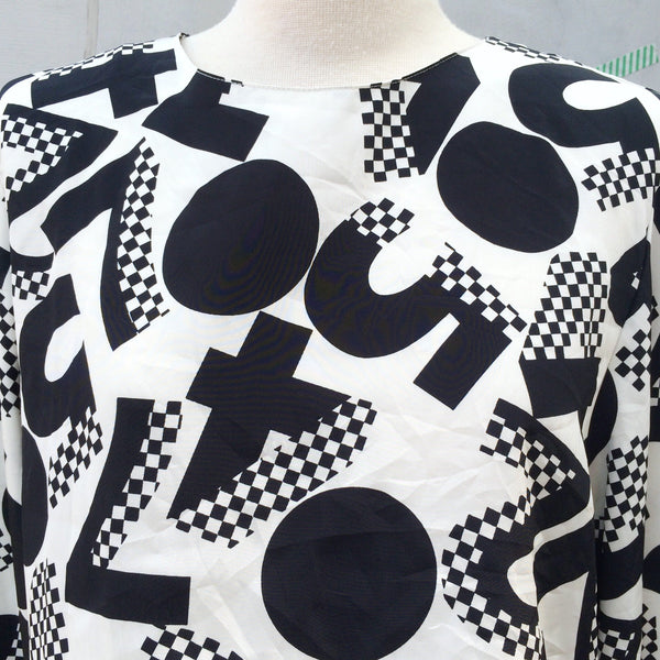 Long Division | Vintage 1980s long-sleeved Monochrome black and white Crop Top with Geometric Math Print