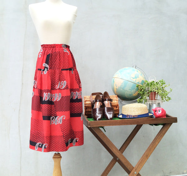 Smile Sally | Vintage 1980s Paisley & Honeycomb geometry red and black A-line Skirt