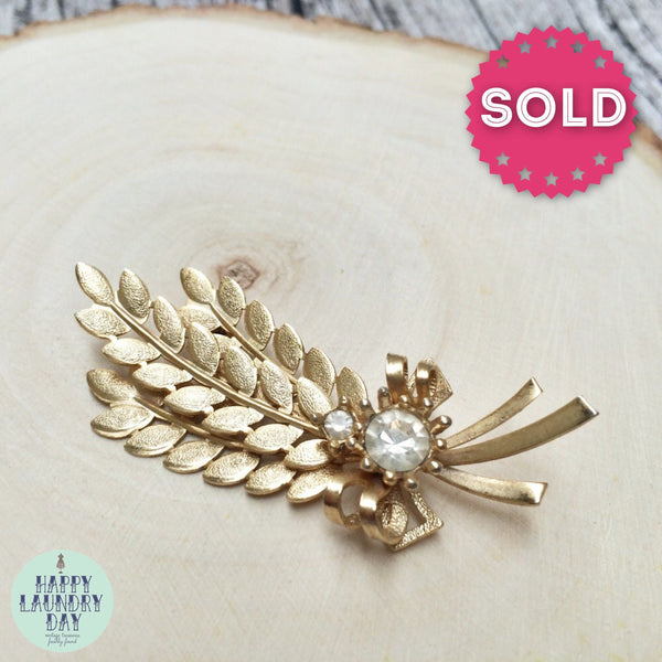 Vintage Sarah Coventry Wheat Sheath with faux Rhinestone Goldtone Brooch