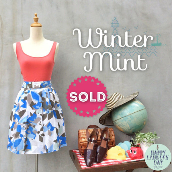 SALE ! |  Winter Mint | Short & cute Vintage 1980s geometric shapes Triangles Mint & Blue abstract art SKIRT
