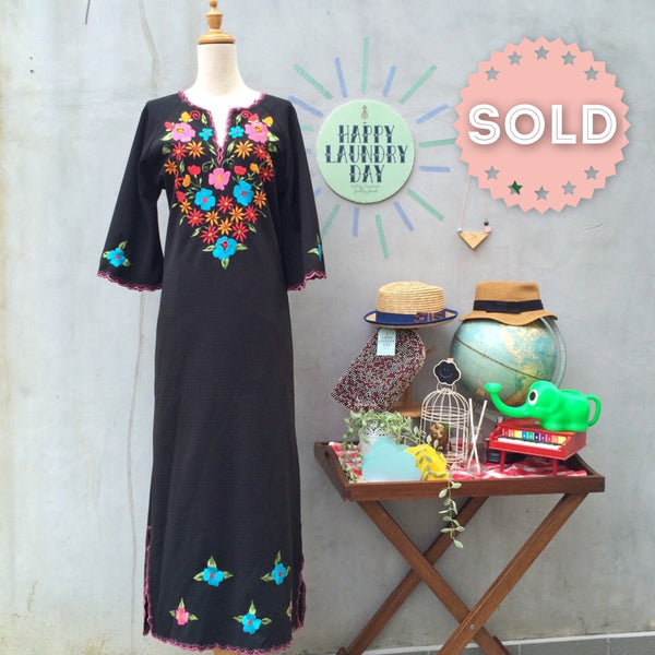 Power to the Flower | Vintage 1960s 1970s vintage Embroidered floral Maxi Kaftan Caftan Dress