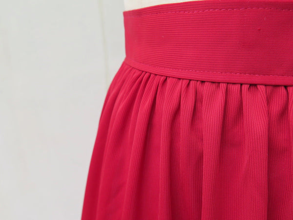 SALE | Grapevine | Vintage 1960s1970s Berry-red ribbed skirt
